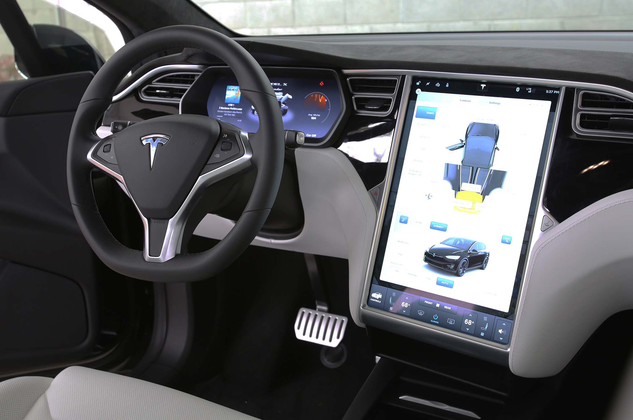 2016 tesla model x interior jpg a tomania. Black Bedroom Furniture Sets. Home Design Ideas
