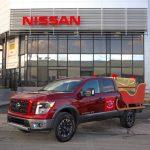 El trineo de Santa a bordo de la Nissan Titan 2018