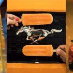 Ford Mustang celebra su 54 aniversario junto a Señor Paleta