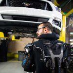 Ford lanza tecnología de exoesqueleto en sus plantas alrededor del mundo